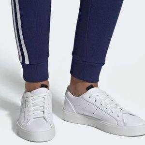 Brand new Adidas Sleek Woman (DB3258)  Size 6.5 US